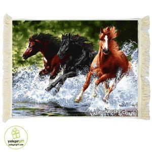 تابلو فرش ماشینی مسابقه ی اسب ها 2